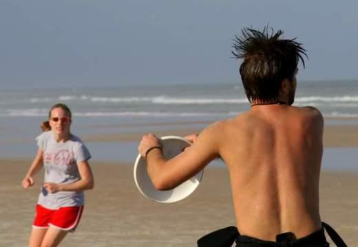5 cosas para un día de playa diferente