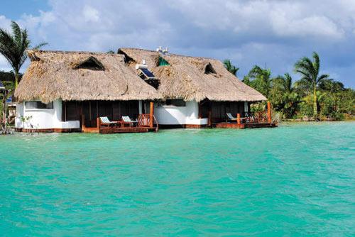 Los 10 hoteles m s rom nticos del caribe mexicano sal for Hotel luxury en bacalar