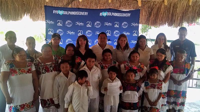 dolphin comunidades mayas