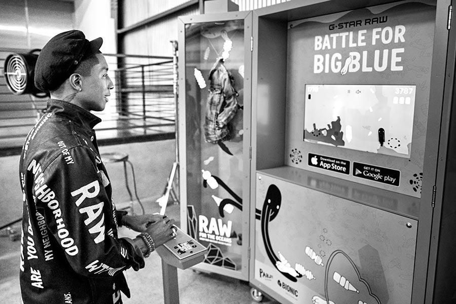Pharrell Battle for Big Blue videojuego